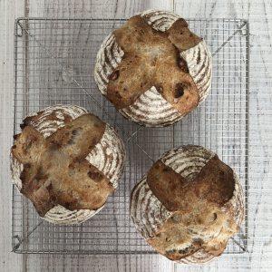 4種のナッツカンパーニュ