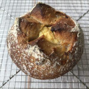 イチジクとクリームチーズのパン