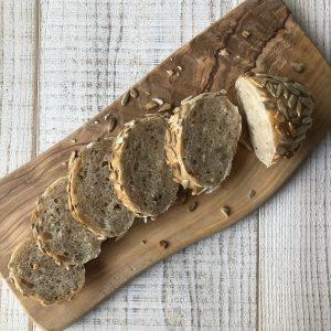 ひまわりの種と雑穀のパン断面