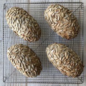 ひまわりの種と雑穀のパン全体
