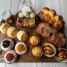 アフタヌーンティーを楽しむパンとお菓子のセット8月31日を焼きました!