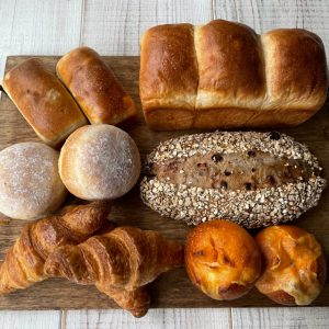 クロワッサンが入った朝ごパンセット
